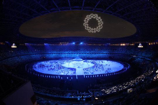 인공위성 대신 드론, 자율주행택시 대신 셔틀…도쿄올림픽의 초라한 '기술 쇼'
